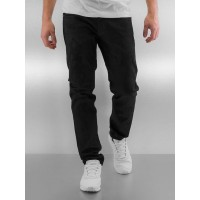 G-Star Men Straight Fit Jeans 3301 Slim Turner in black Black 98% cotton 2% spandex Friction lining: 65% polyester 35% cotton Label: 100% cow leather Contains non-textile parts of animal origin Closure: concealed placket 5100144127198 QYDRVEO