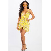 Women Better Be Floral Wrap Dress Floral wrap dress featuring a side tie. V neck RXQKLFY